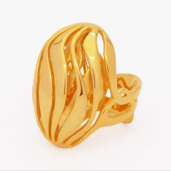gold ring nature lovers