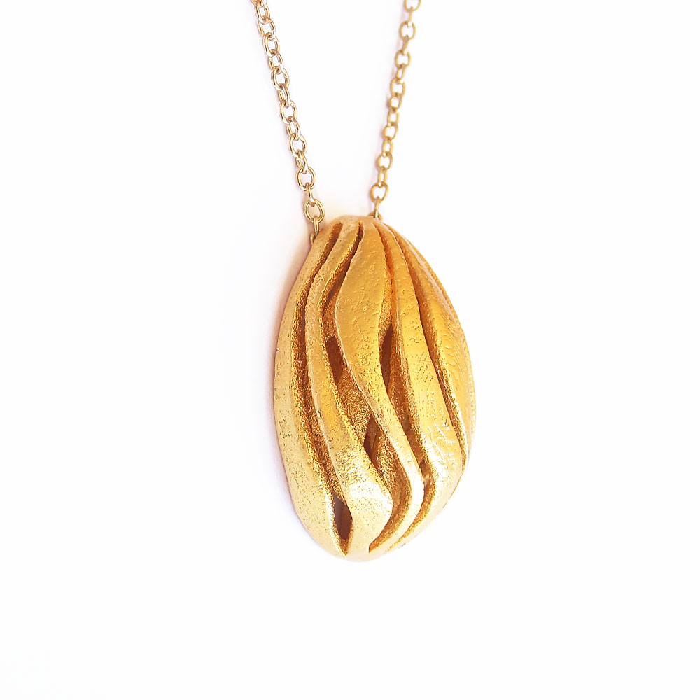 gold wave pendant necklace