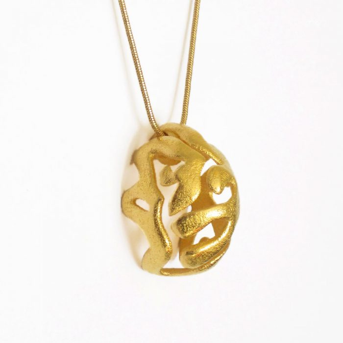 chunky pendant necklace in gold
